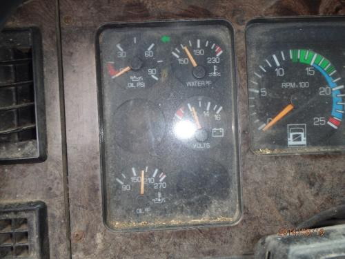 WHITE AUTOCAR ACL64 Instrument Cluster