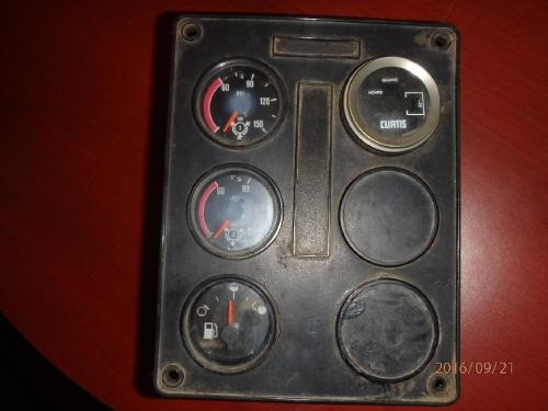 INTERNATIONAL F-9370 Instrument Cluster