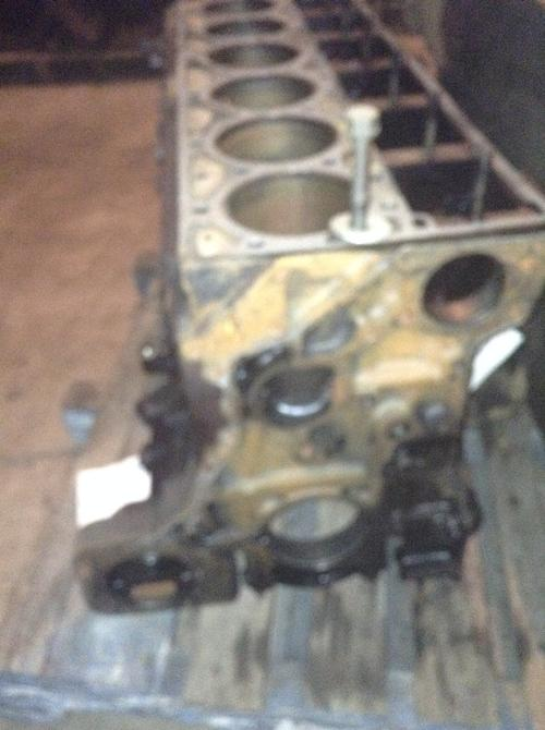 CUMMINS M11 CELECT+ Cylinder Block
