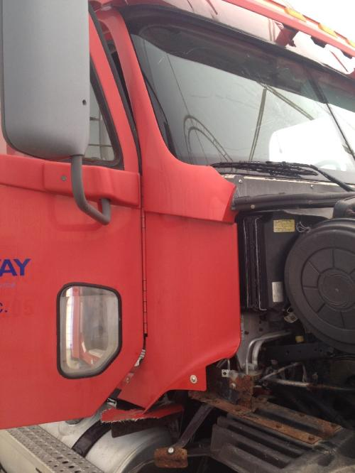 FREIGHTLINER ST120 Cowl