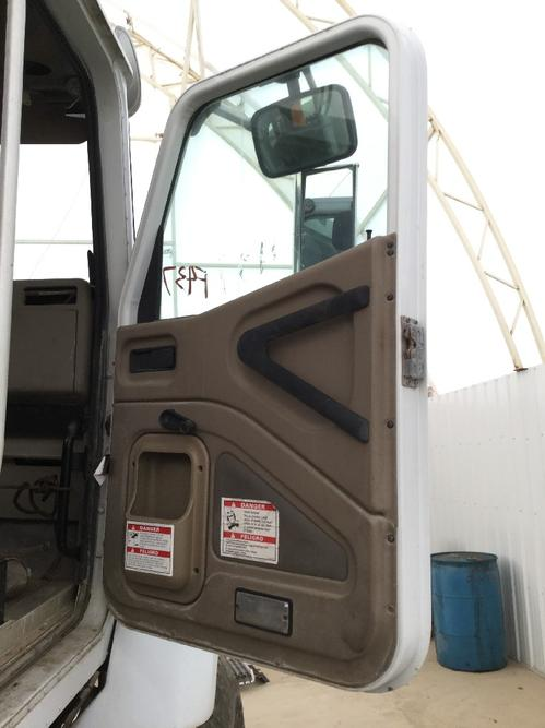 INTERNATIONAL 5600I Door Assembly, Front