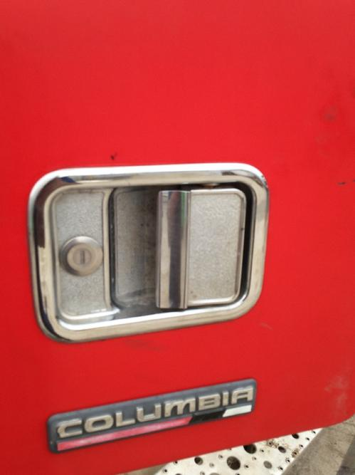 FREIGHTLINER COLUMBIA 112 Door Handle