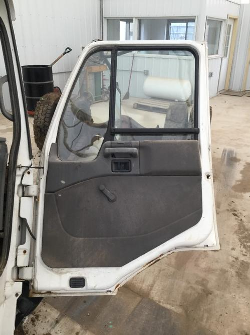 NISSAN UD2300 Door Assembly, Front