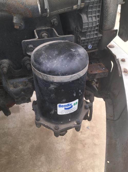 FREIGHTLINER FL112 Air Dryer