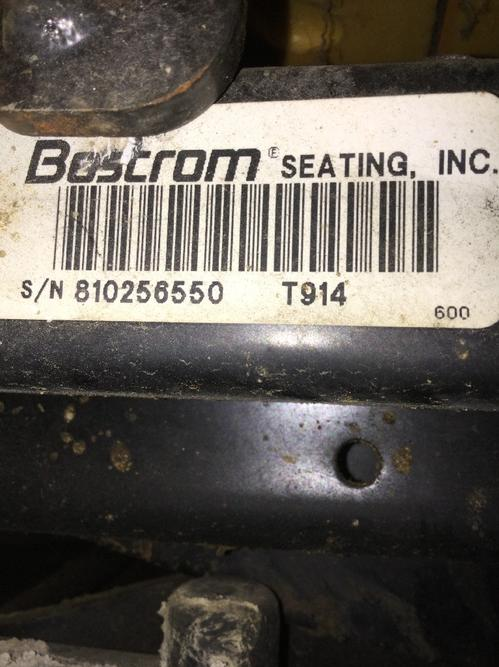 MACK RD690S Seat, Front