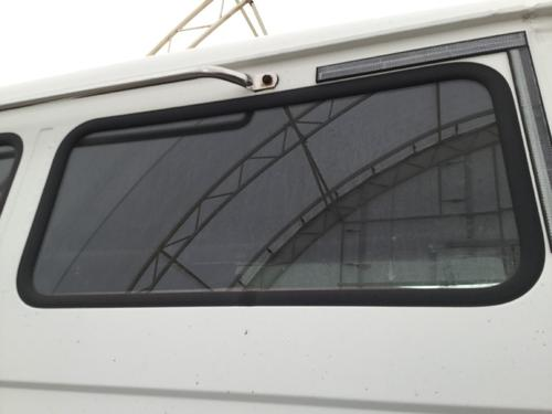FREIGHTLINER FL70 Back Glass