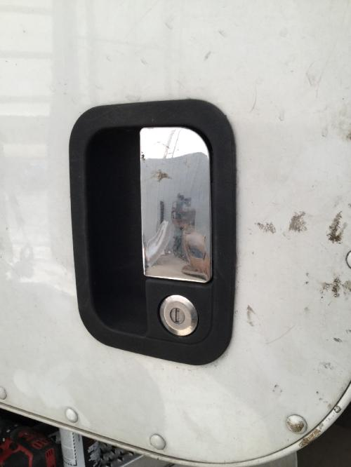 PETERBILT 386 Door Handle
