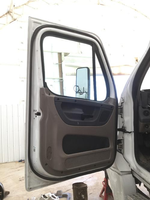 FREIGHTLINER CASCADIA 125BBC Door Assembly, Front