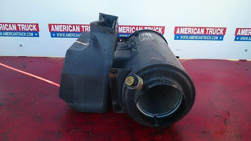 Freightliner FLD Air Cleaner