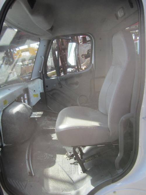 FREIGHTLINER M2-112 Seat, Front