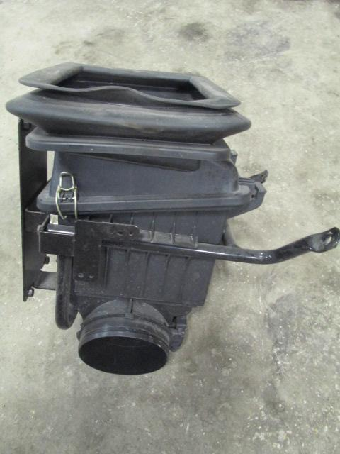 INTERNATIONAL PB105 Air Cleaner