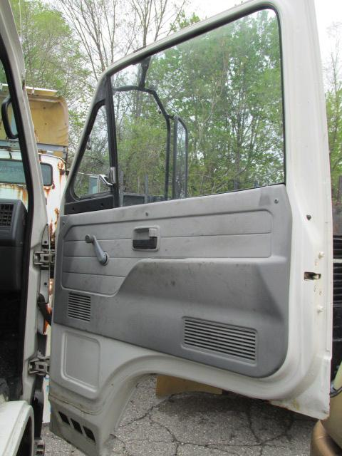 GMC - MEDIUM W4 Door Assembly, Front