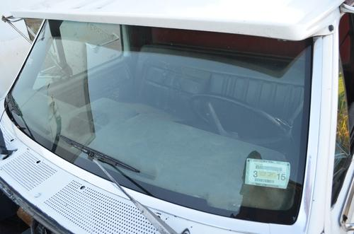 FORD F800 Windshield Glass