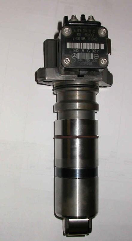 MERCEDES MBE4000 Fuel Injector