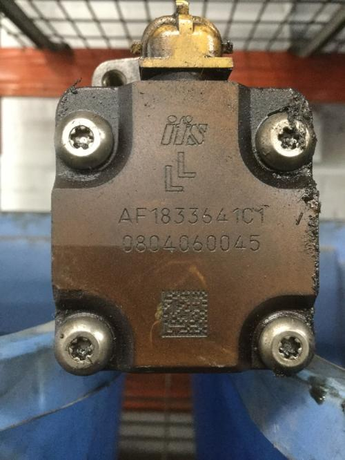 INTERNATIONAL T444E Fuel Injector