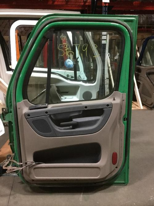FREIGHTLINER CASCADIA 113BBC Door Assembly, Front