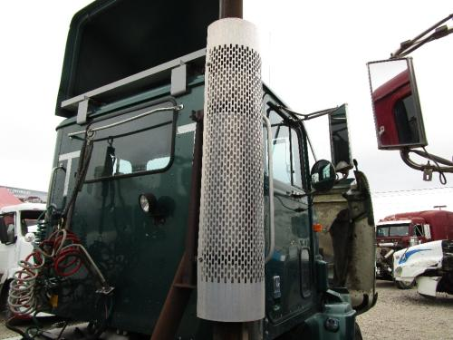 INTERNATIONAL 9100 Muffler Shield