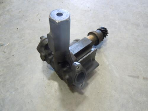 MACK  Oil Pump