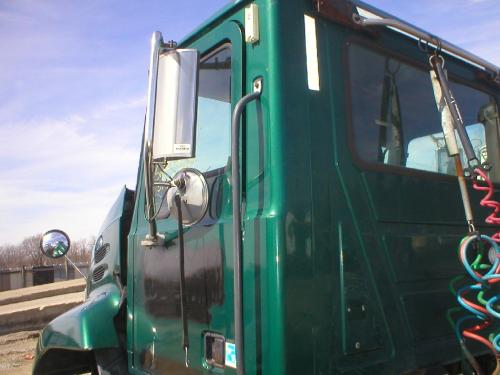 MACK CX600/VISION SERIES Cab