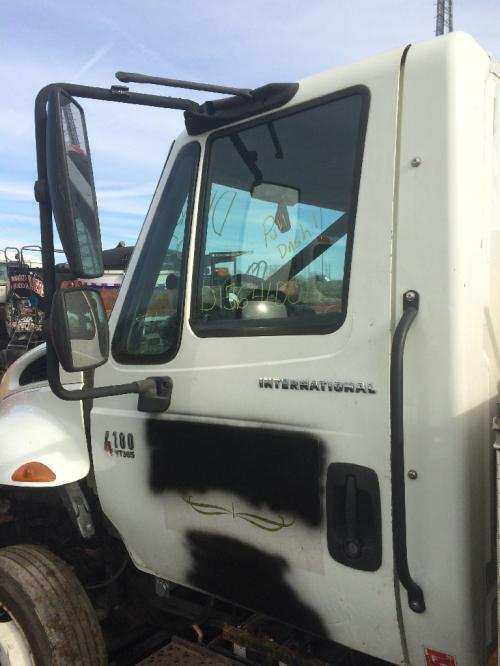 INTERNATIONAL 4000 Door Assembly, Front