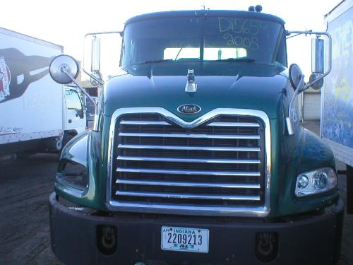 MACK CX600/VISION SERIES Hood