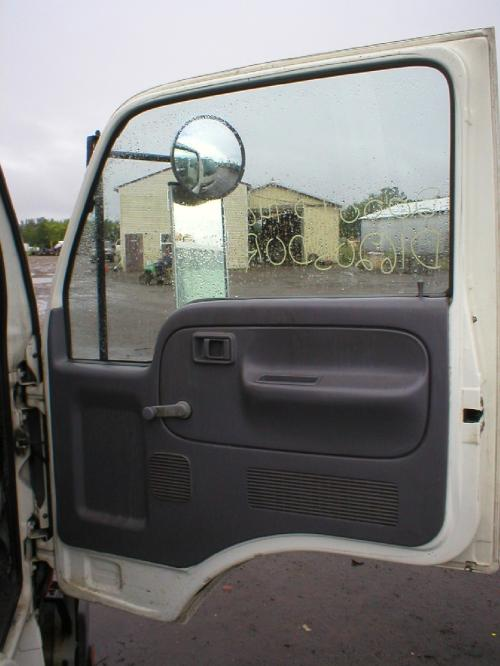 NISSAN UD1400 Door Assembly, Front