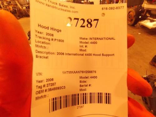 INTERNATIONAL 4400 Hood Hinge
