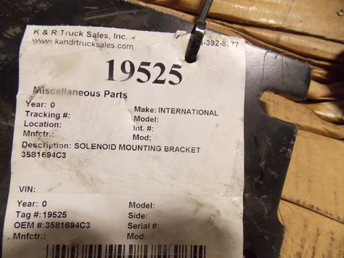 INTERNATIONAL 8600 Brackets, Misc.