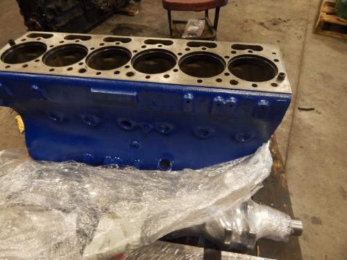 INTERNATIONAL DT 466C Cylinder Block