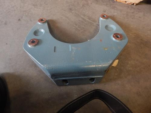 FREIGHTLINER COLUMBIA Engine Mounts
