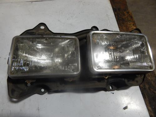 FREIGHTLINER FLC120T CLASSIC Headlamp Assembly