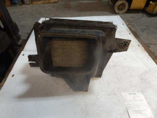 FREIGHTLINER  Air Cleaner