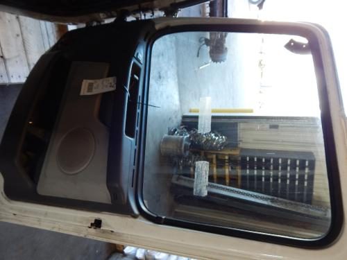 VOLVO 670 Door Assembly, Front