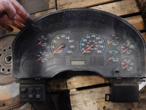 INTERNATIONAL 8500 Instrument Cluster