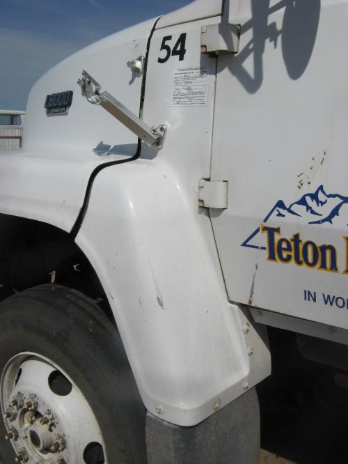 FORD LN8000 Fender Extension