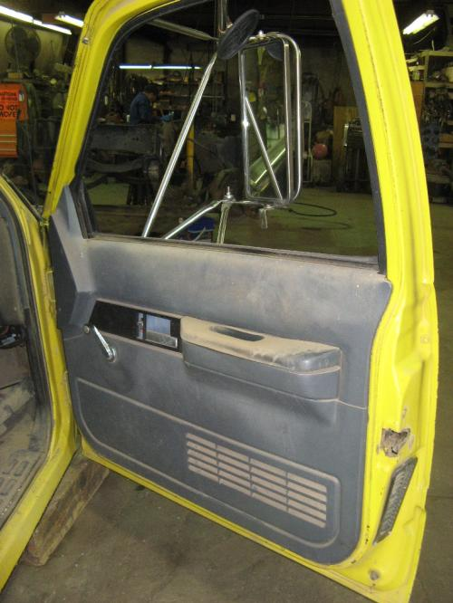 GMC - MEDIUM C6500 Door Assembly, Front