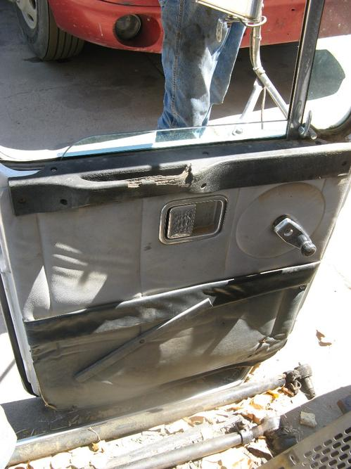GMC/VOLVO/WHITE WIAT Door Assembly, Front