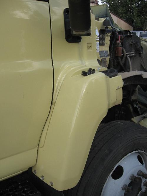 GMC - MEDIUM C6500 Fender Extension
