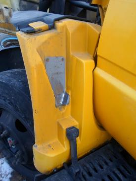 GMC - MEDIUM C7500 Fender Extension