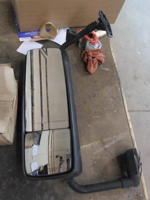 GMC/VOLVO/WHITE VN Mirror (Side View)