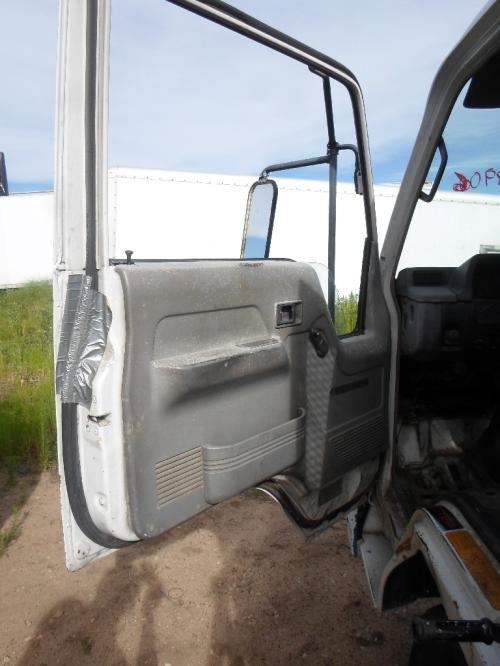 MITSUBISHI FUSO FE Door Assembly, Front
