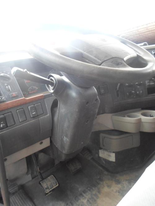 GMC/VOLVO/WHITE VNL200 Steering Column