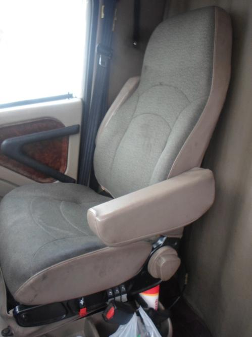 INTERNATIONAL 9400I Seat, Front