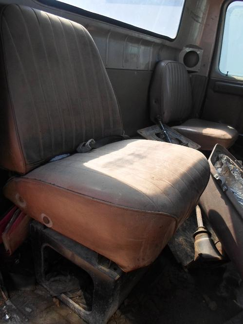 INTERNATIONAL 2500 Seat, Front