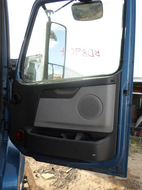 GMC/VOLVO/WHITE VNL660 Door Assembly, Front