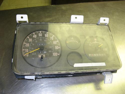 GMC - MEDIUM W4 Instrument Cluster