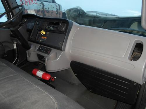 FREIGHTLINER M2-106 Dash Assembly