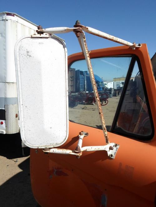 FORD T800 Mirror (Side View)