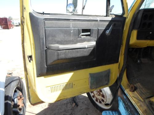 GMC - MEDIUM 7000 Door Assembly, Front