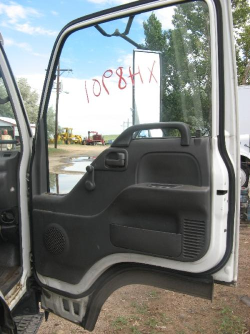 GMC - MEDIUM W5500 Door Assembly, Front